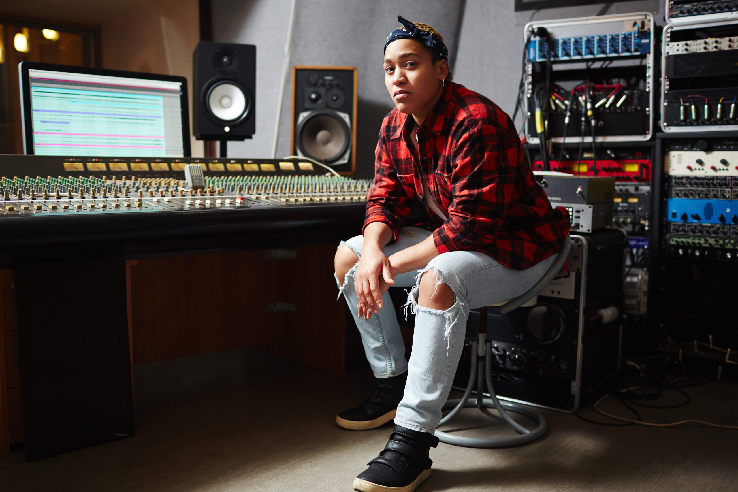 mixing in mono in studio