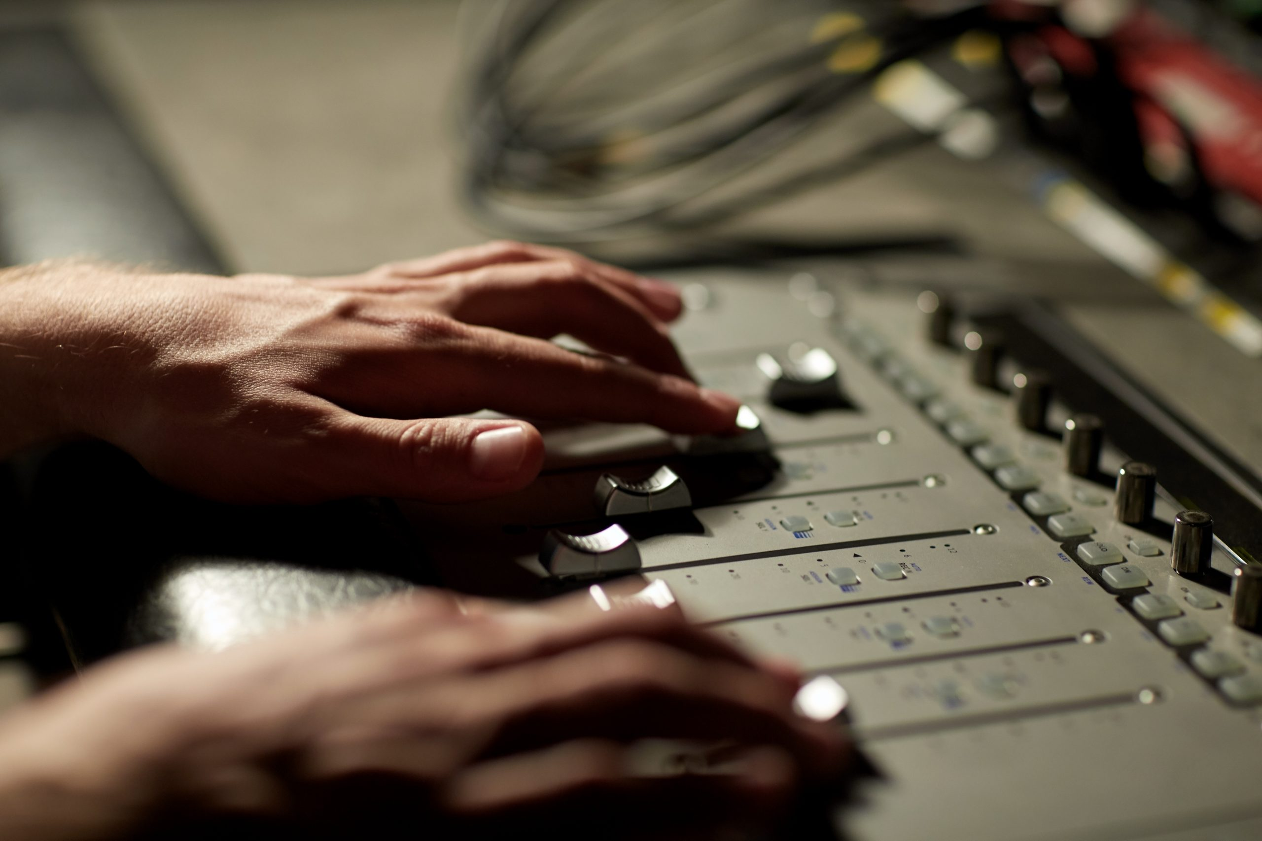 mixing engineer